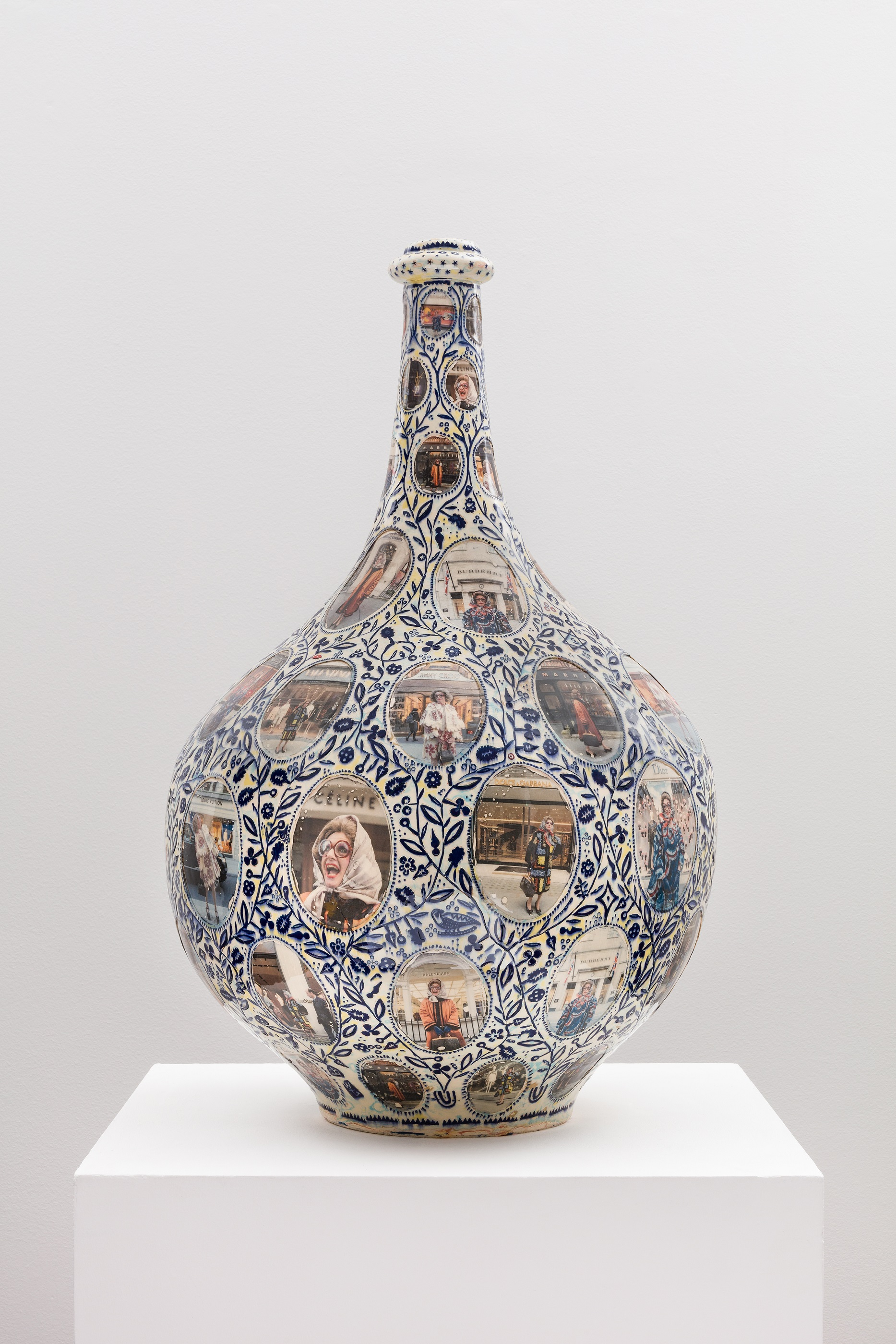 Grayson Perry 'Shopping for Meaning', 2019. Glazed ceramic. 81 x 48 x 48 cm. © Grayson Perry/ Courtesy the artist and Victoria Miro, London/Venice
